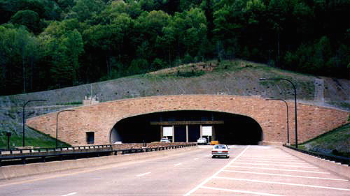 Cumb_Gap_Tunnel_S